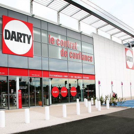 Conectados al servicio posventa por un botón en la nevera: la estrategia de Darty