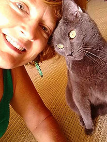 Choose Waikiki Wags for daily cat visits while you are away from home.  We believe in exceptional care for your beloved feline friend.