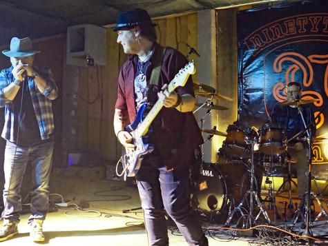 d4Trebra-Band01-200104.jpg