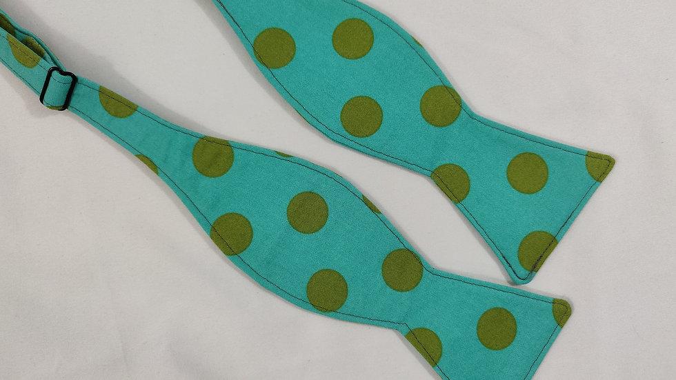 Green Dots Bowtie