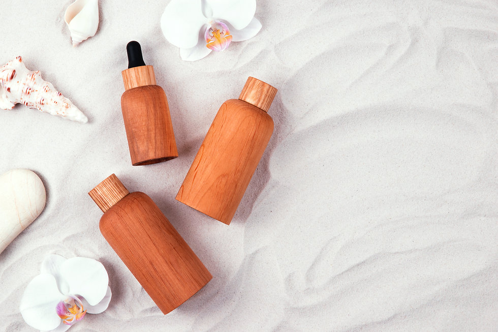 Wooden-beauty-product-containers-747550.