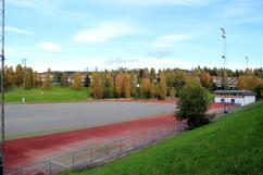 1280px-2012-09_Stovner_stadion.jpg
