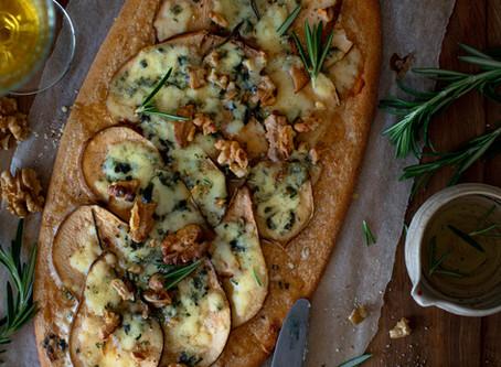 Flammekueche au roquefort et poire - Végétarien