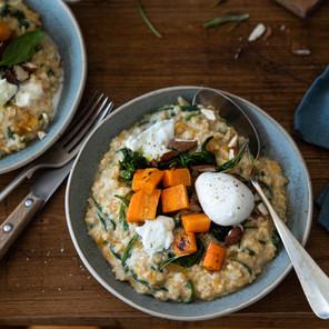 Porridge salé à la courge et aux épinards