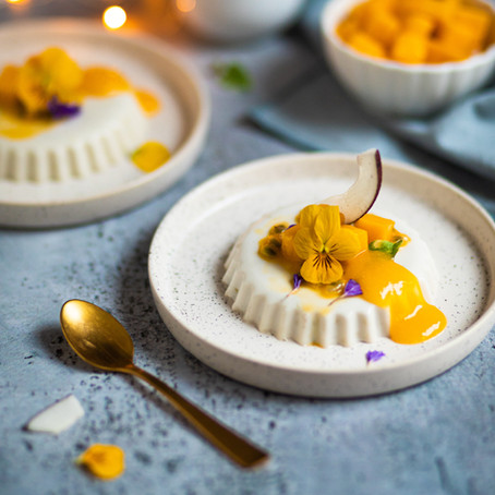Panna cotta noix de coco et mangue avec Microplane