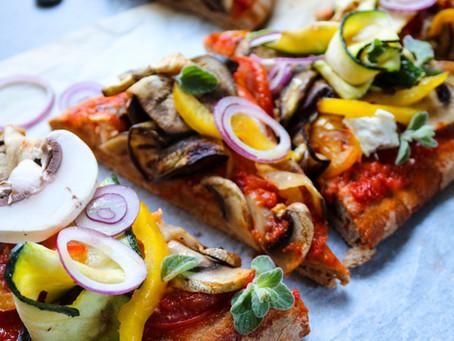Pizza vegan aux légumes du soleil
