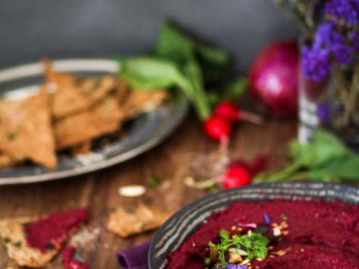 Houmous de betterave et crackers healthy aux graines