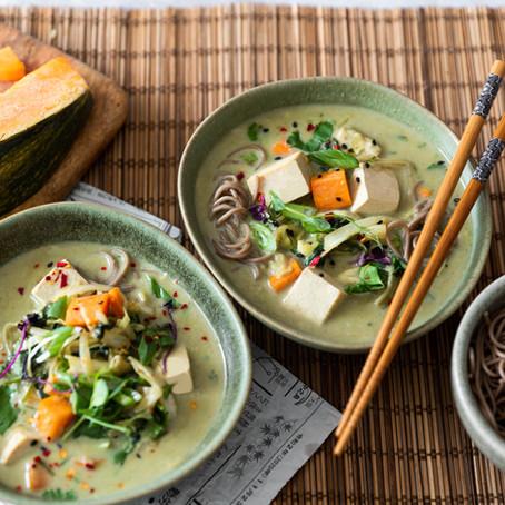 Curry vert de légumes et tofu (végétarien)