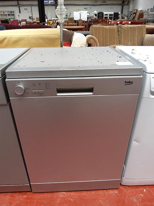 Beko DFNO5X10S Freestanding Dishwasher Fullsize (Silver)