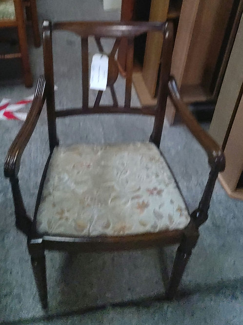 6 Mahogany Dining Chairs (2carver)