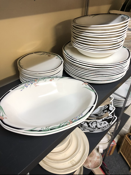 Royal Doulton Juno Dinner Service