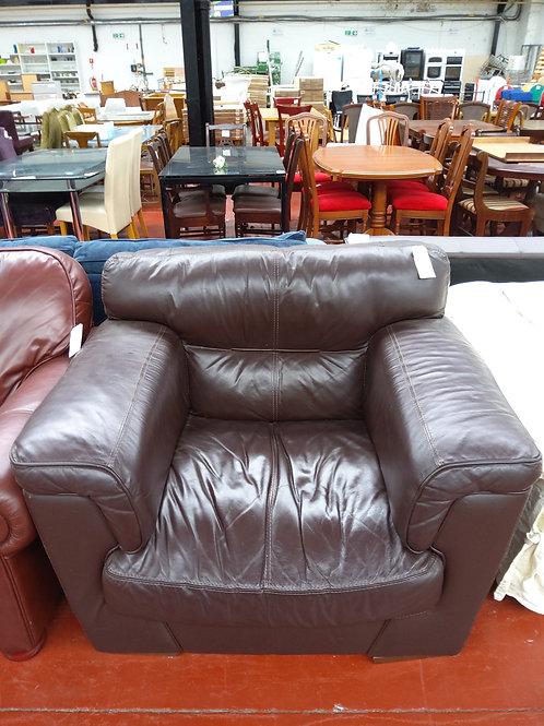 Chunk armchair