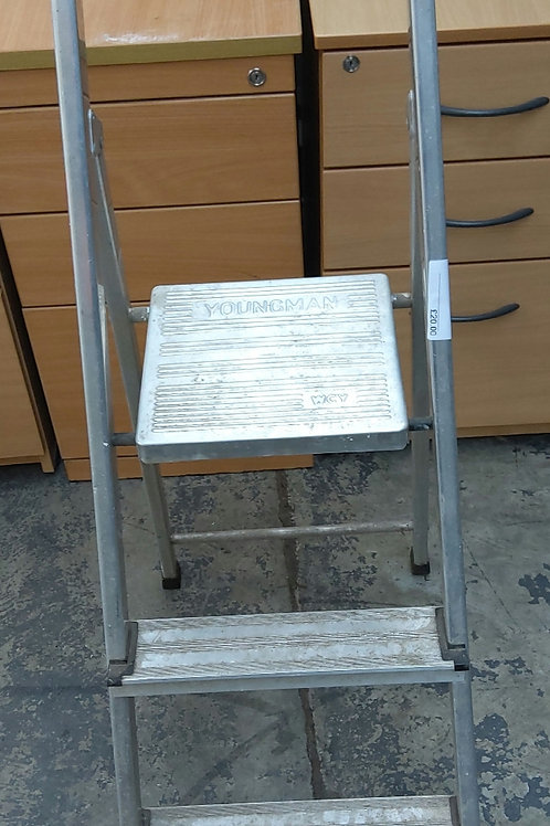 Youngman 2 step ladder