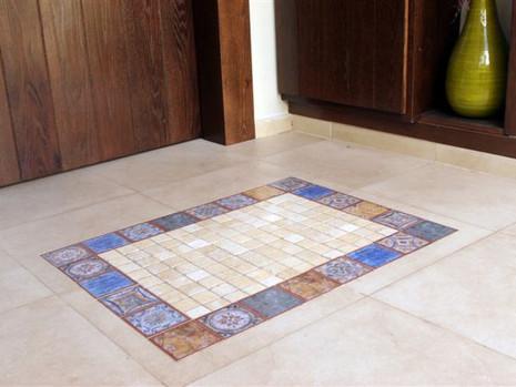 שטיח כניסה מאריחים