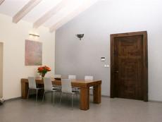 דלת כניסה עץ גושני בהזמנה