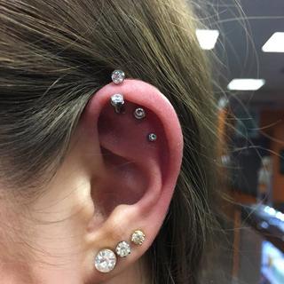 helix piercing, forward helix piercing