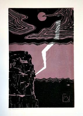 Blitz über der Felsküste