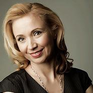 Susanne Chishti Headshot.jpg