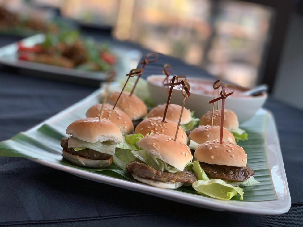 Mini Burger 1.jpg
