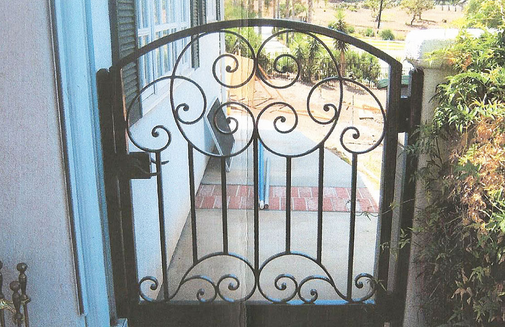 English Scroll Iron Gate