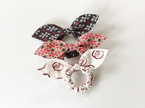 Christmas hair scrunchie,Ponytail holder,Scrunchie with bow