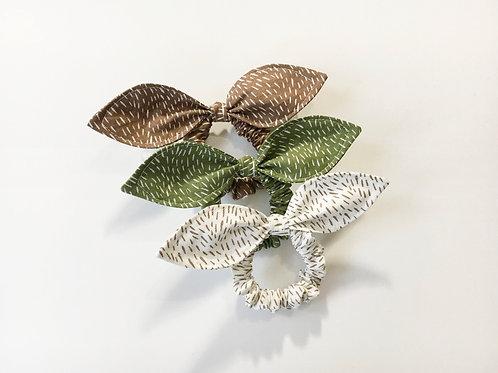 Hair scrunchie fur print,Ponytail holder,Scrunchie with bow