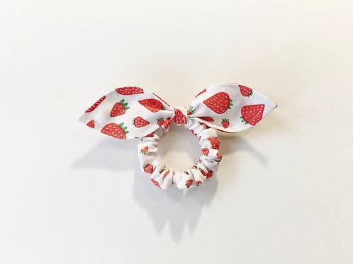 Hair scrunchie strawberry print,Ponytail holder,Scrunchy,Scrunchie with bow