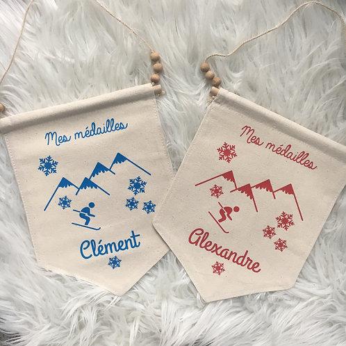 Fanion accroche médailles de ski