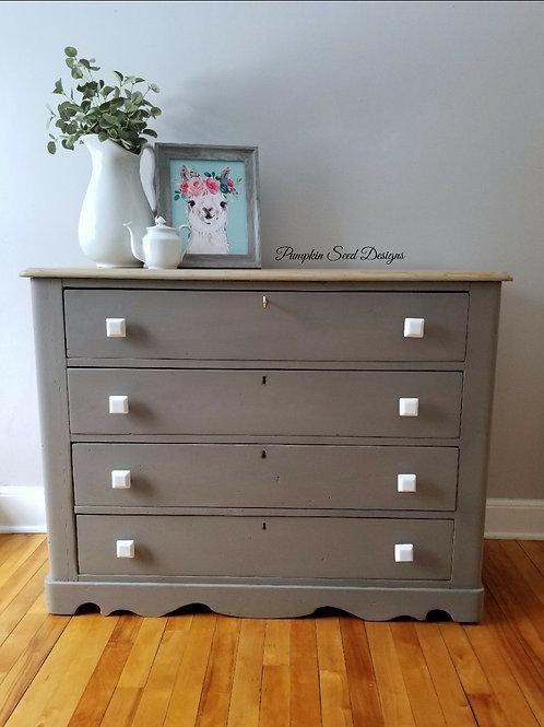 Neutral 4-Drawer Pine Dresser