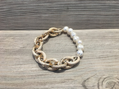 Chain and Pearl Stretch Bracelet