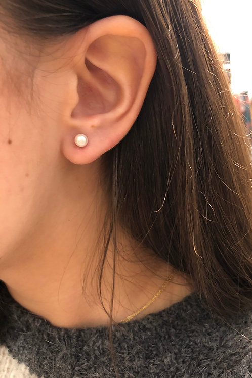 Sterling Silver 5mm Pearl Studs