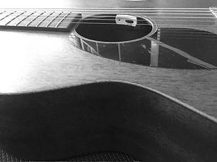 guitare-gold-2_edited.jpg