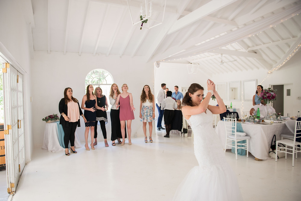 bouquet toss at Hertford Lodge