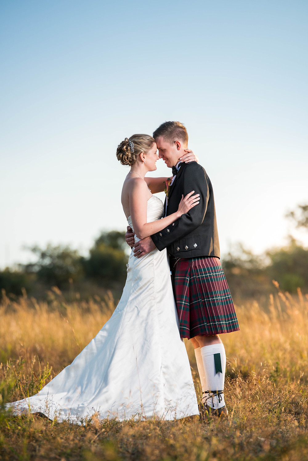 sun kissed wedding photos