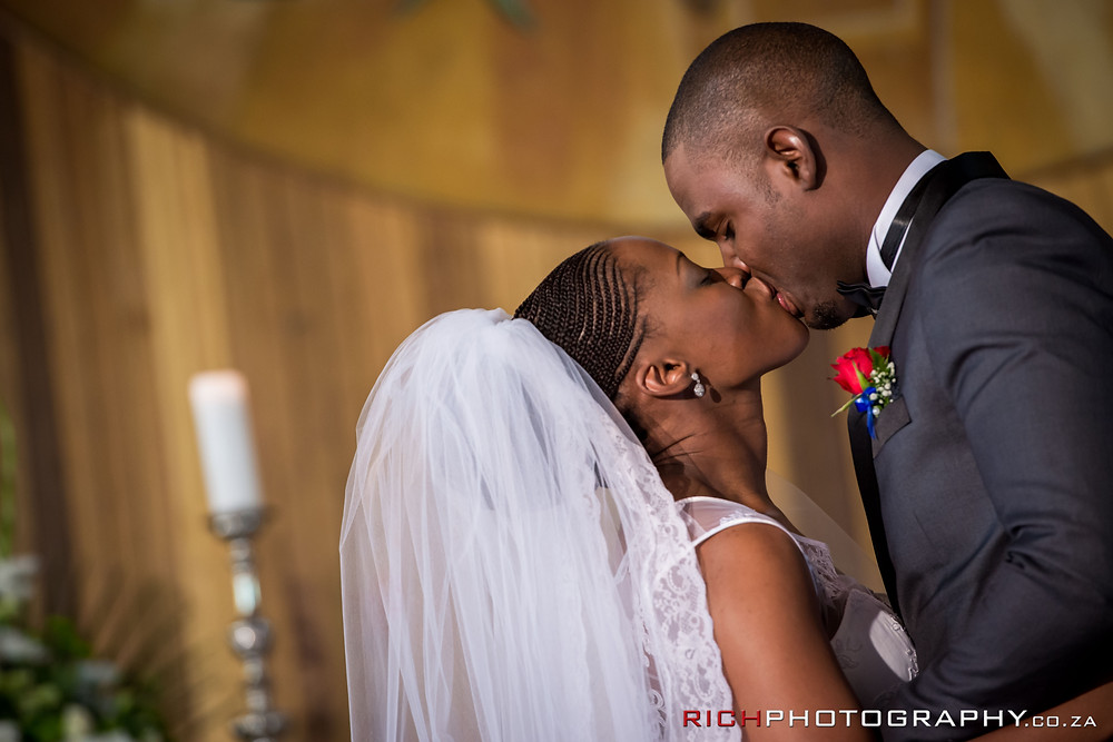 the first kiss by johannesburg wedding photographers