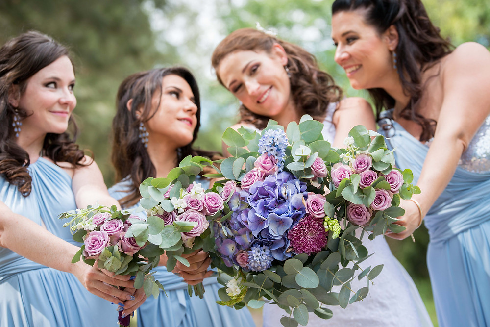 bridesmaids posing ideas