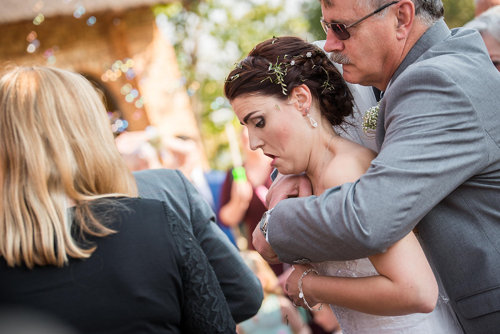unposed wedding moments