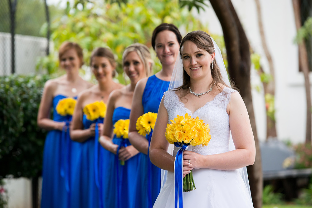bridal party posing ideas
