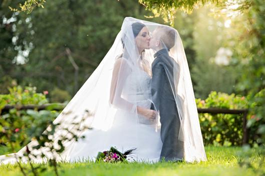 wedding veil posing ideas