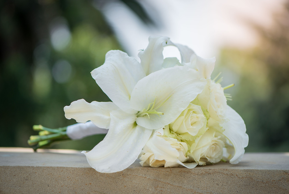 white lilies and roses
