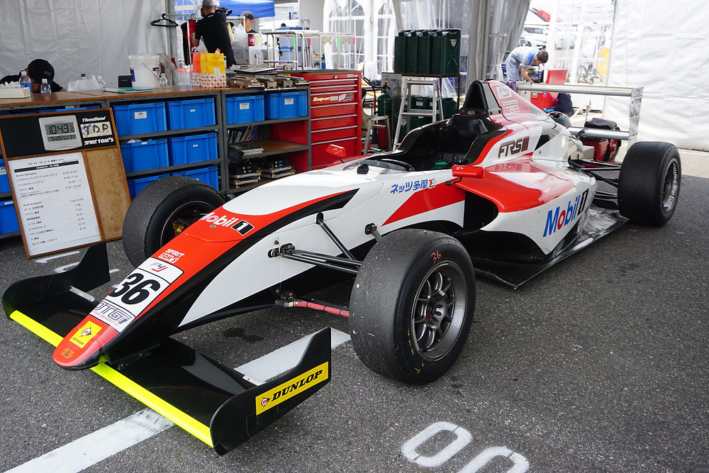 FIA-F4 FTRSスカラシップF4/TOM'S SPIRITの車両