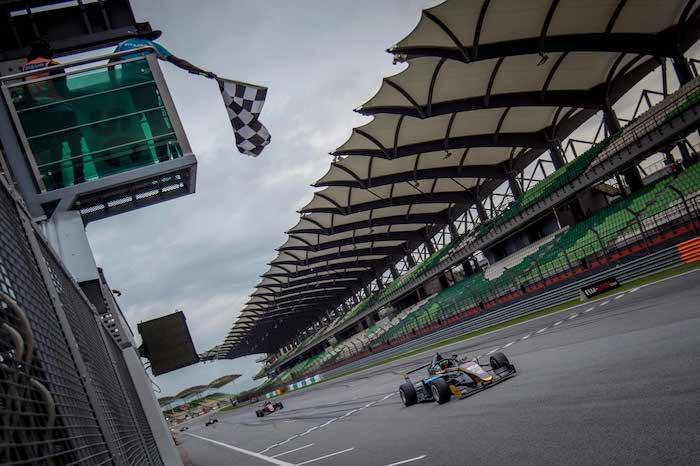 F3アジア:2019-2020の開幕レースはジョーイ・アルダーズが制する。ポール獲得の笹原右京をトラブルが襲う