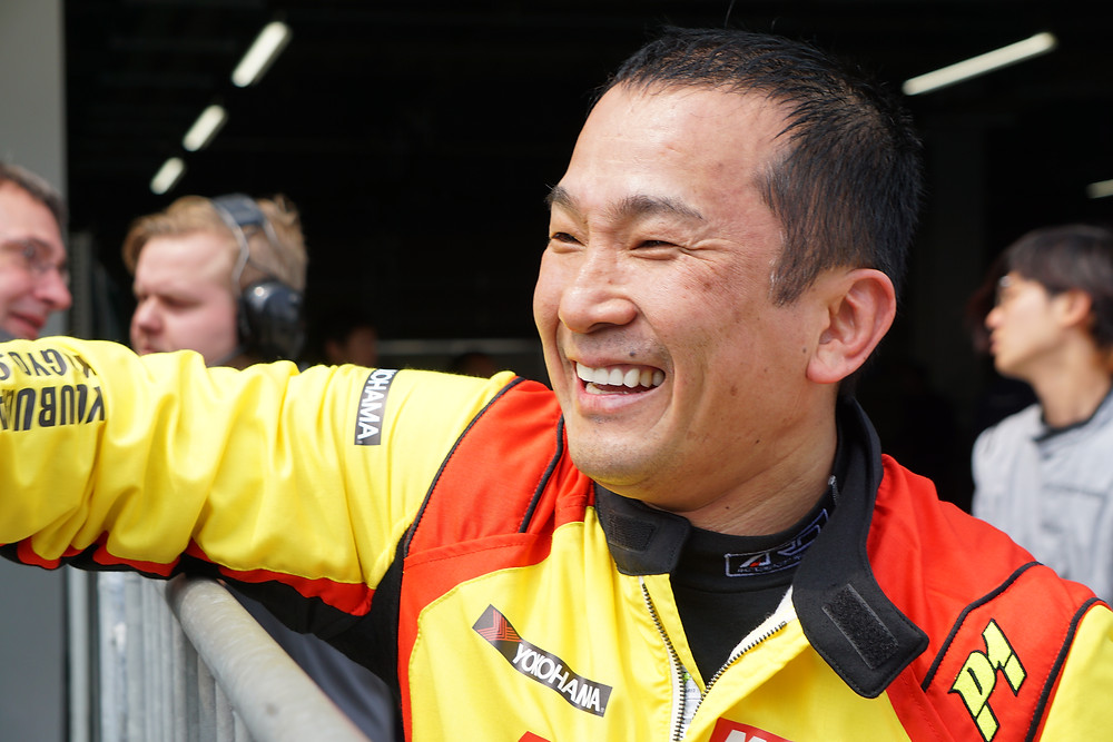 B-Max Racing with Motoparkのチーム代表でもあるDRAGON