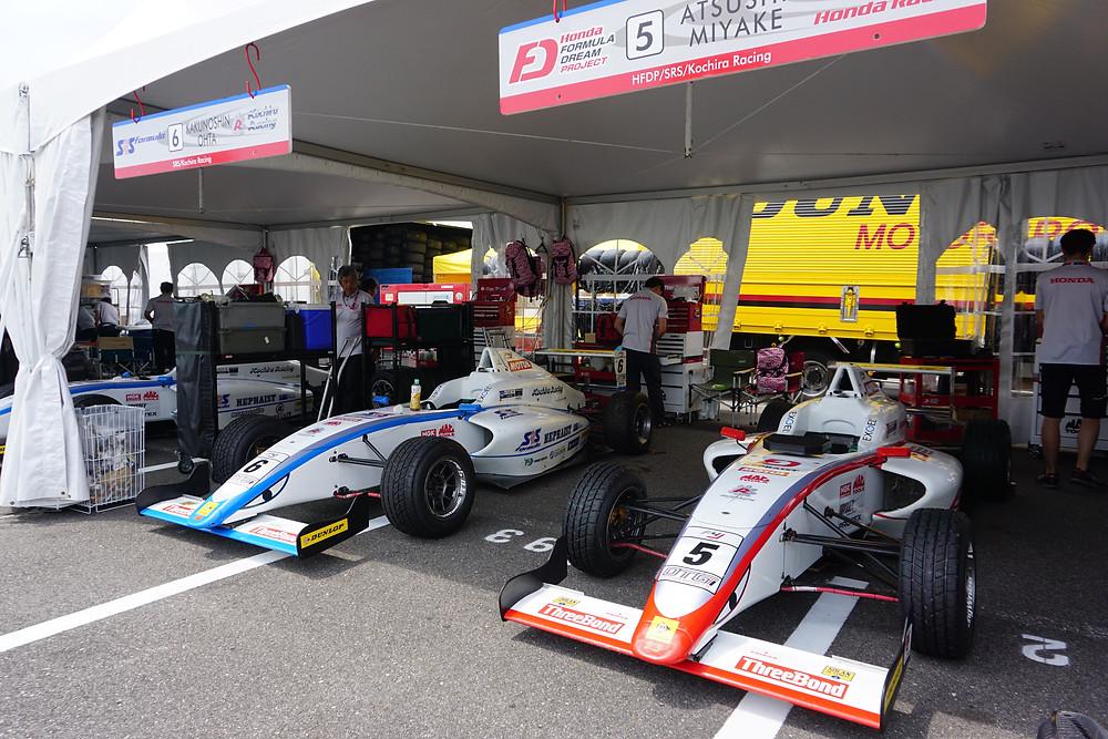 FIA-F4 Honda フォーミュラ・ドリーム・プロジェクトのピット
