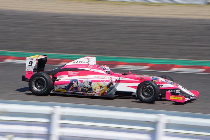 2019年のFIA-F4ではカーナンバー #9 ATEAM Buzz Motorsportの塩津佑介選手