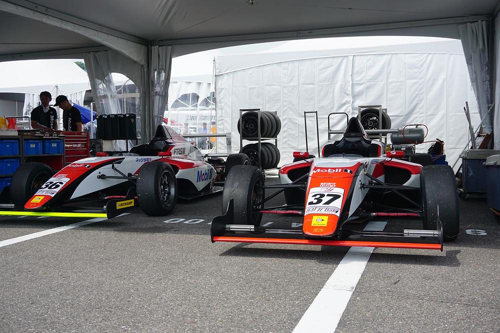 FIA-F4 FTRSスカラシップF4/TOM'S SPIRITのピット
