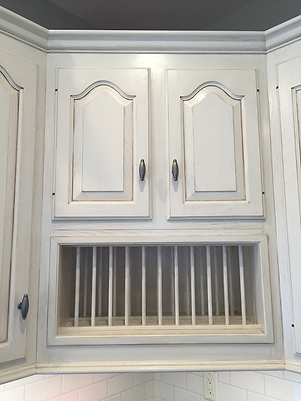 East Hempfield, PA | Custom painted and glazed cabinets