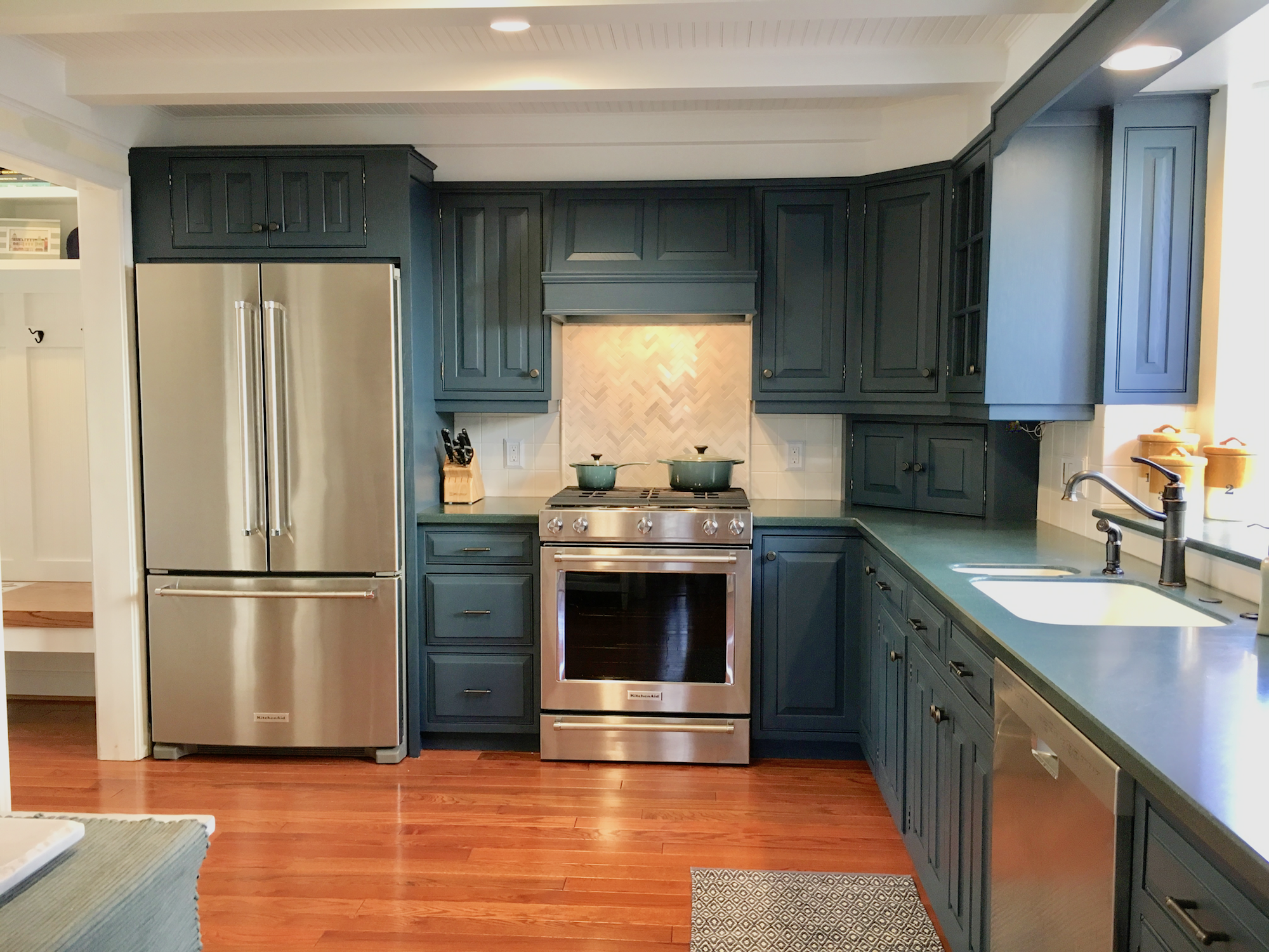 Navy Blue Oak Cabinets