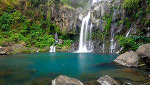 Waterfall_Reunion-island.jpg