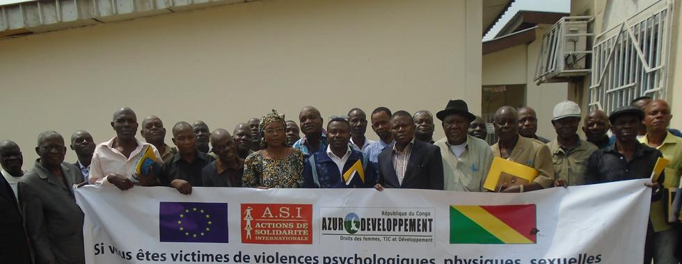 Photo de famille ONG CJID